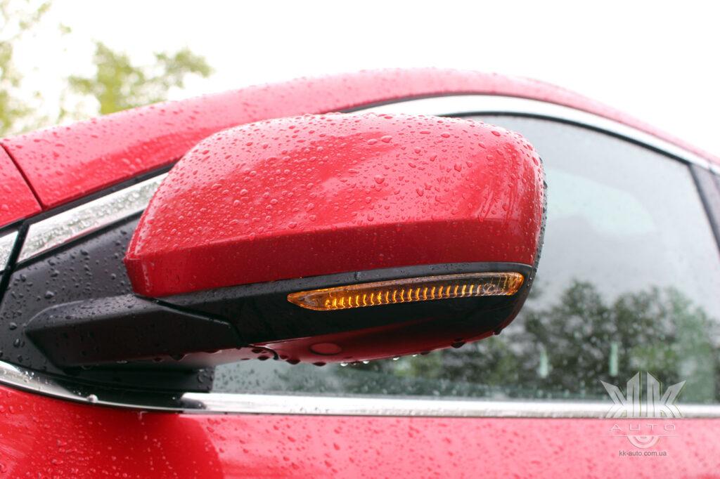 Тест-драйв Renault Kadjar, повторювачі поворотів