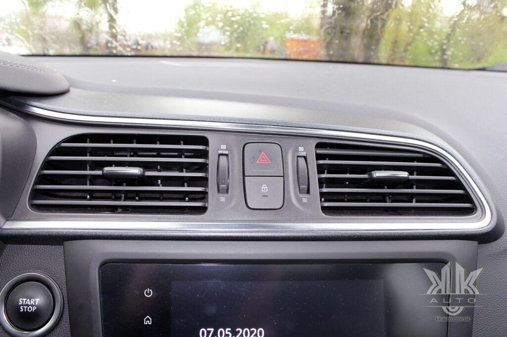 Тест-драйв Renault Kadjar, дефлектори