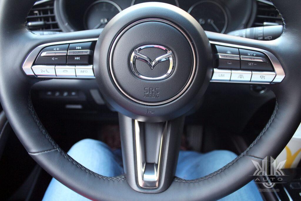 Тест-драйв Mazda CX-30, Mazda 30